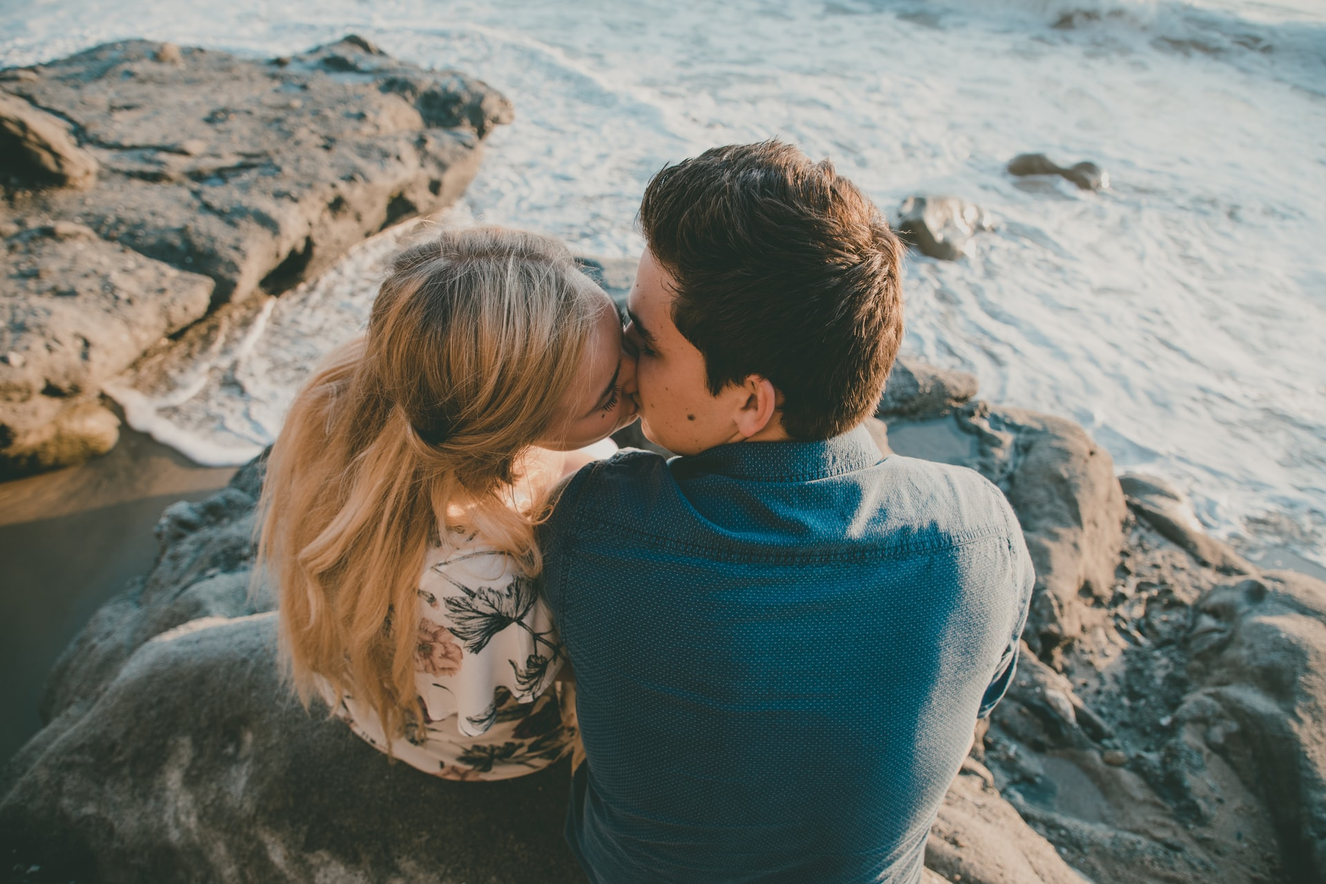 Engagement Kiss on cliff